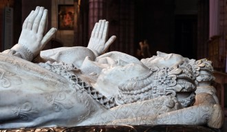 1583 - effigy of Queen Catherine de Medici at Basilica of Saint-Denis by sculptor Germain Pilon (Photo: Myrabella / Wikimedia Commons / CC-BY-SA-3.0)