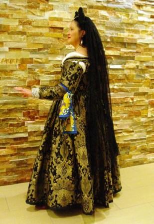 black & gold venetian courtesan gown, photo by Sandra Linehan