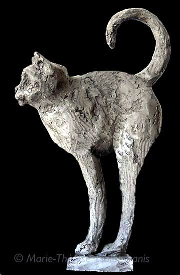 sculpture-marie-therese-tsalapatanis-chat-perche