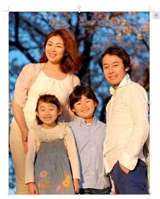 背景を消す家族写真サンプル