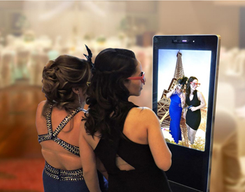 In-Entertainment-iPhotoLounge