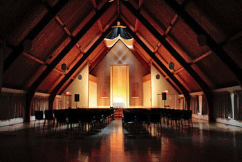 918 Bathurst Centre's Great Hall is a tranquil space