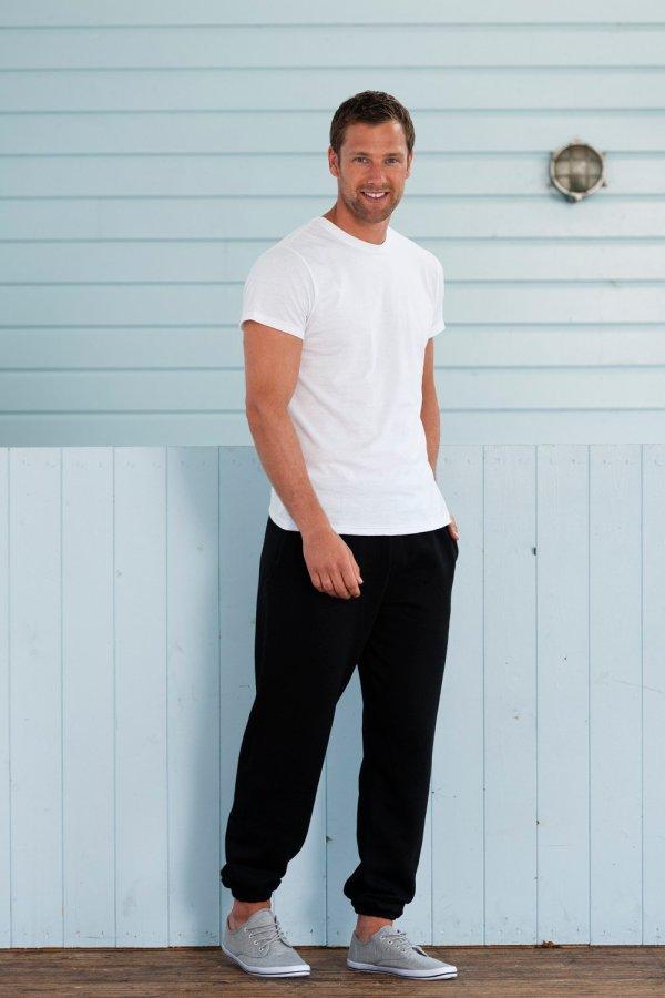 Φούτερ παντελόνι Russell σε ανδρική γραμμή και premium ποιότητα.