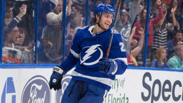 Tampa Bay Lightning re-sign RFA Brayden Point on three-year, $20.25M deal - TSN.ca