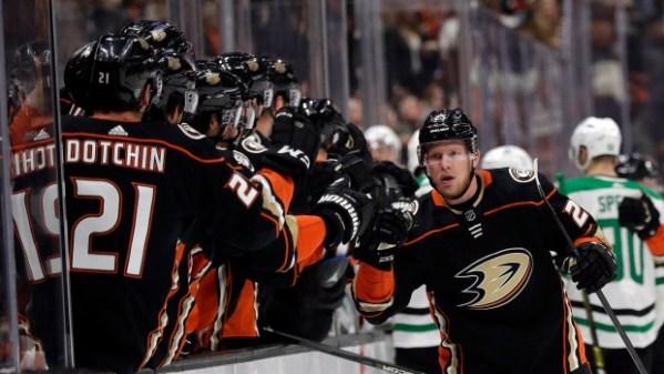 Boston Bruins acquire Ondrej Kase from Anaheim Ducks - TSN.ca
