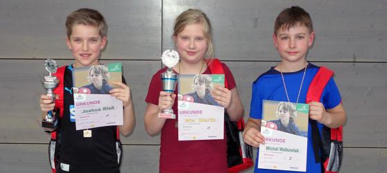 Das Trio des TTC Muggensturm drückte dem Verbandsentscheid seinen Stempel auf: Joshua Rieß, Mia Warth und Michel Walkowiak (v. l.)