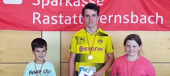 Die Sieger Luisa und Daniel Fritz sowie Konstantin Palka.