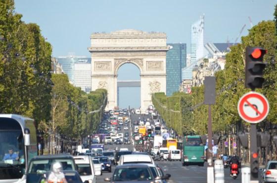 シャンゼリゼ通り 〜 花の都パリの象徴!凱旋門とコンコルド広場を結ぶ世界一美しい大通りを闊歩する!! 〜 美しすぎるパリ写真日記 [2012年夏 ヨーロッパ旅行記 その13]