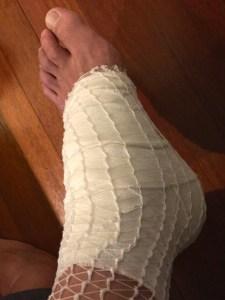 足底筋膜炎治療中 テーピングぐるぐる1kmラン! [東京マラソンまで24日・ランニング日誌]