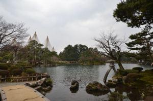 兼六園 — 金沢屈指の観光スポットは日本三大庭園で国の特別名勝!晴れた紅葉の時期にまた来たい!