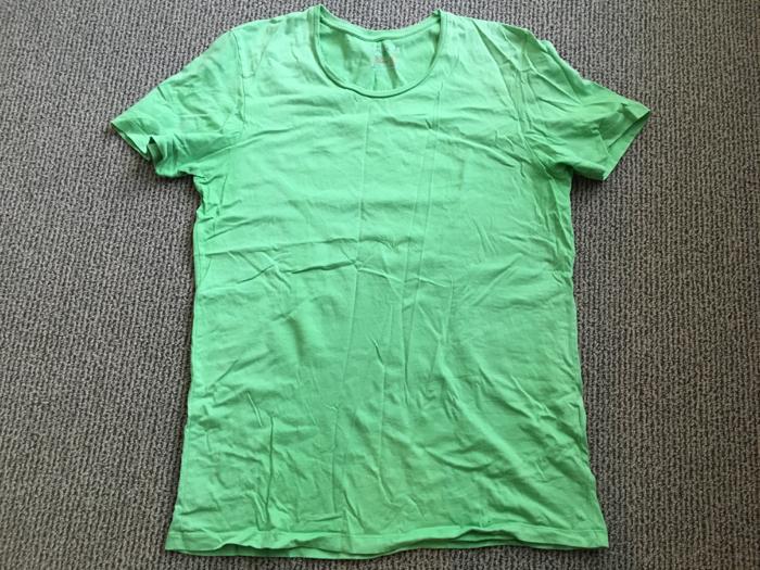 「似合わない」と言われ続けてあまり着なかったTシャツを処分 [1日1捨 No.48]
