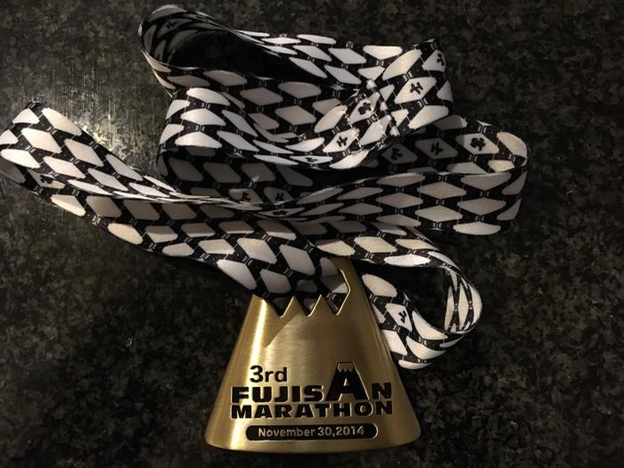 1日1捨、とりあえず最終回 フルマラソン完走メダルを感謝を込めてお別れ [1日1捨 No.89]