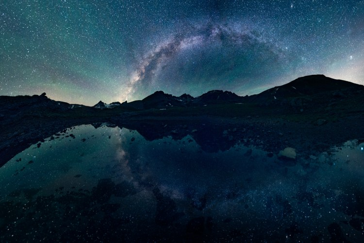 This is a 16-photo, 2-row panorama encompassing 180 degrees of view. Shot with the Nikon D800, 14-24mm lens @14mm, ISO 6400, 30s exposures @ f/2.8.
