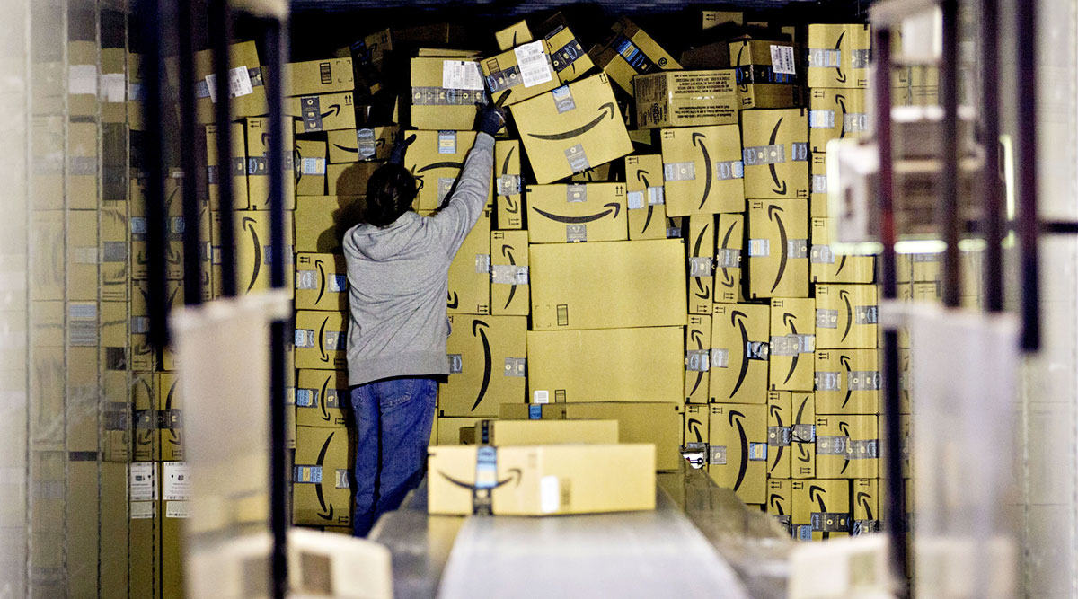FedEx, UPS Strive to Automate Loading and Unloading Trucks