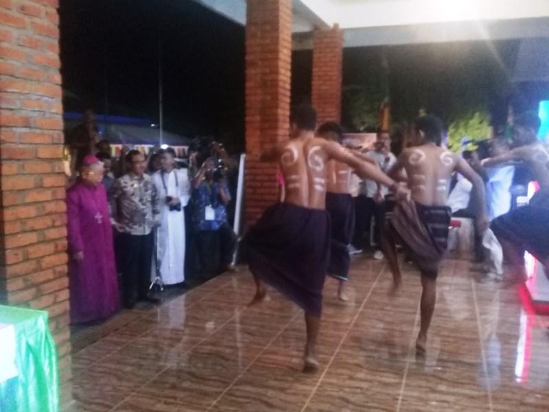 Penjemputan Wagub Maluku pada Pembukaan Sinode Keuskupan Amboina di Gonsalo