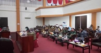 Penjelasan Kadis Kesehatan Kota Tual saat RDP bersama DPRD