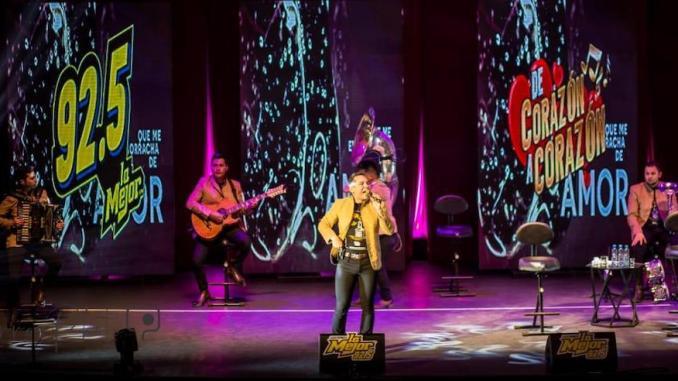 """Gran éxito de Edwin Luna y La Trakalosa de Monterrey en el evento """"De Corazón a Corazón"""" de La Mejor FM 92.5"""