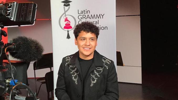 Christian Nodal apoya a estudiantes de música de bajos recursos, ademas confirma fechas para el Auditorio Telmex y Arena Monterrey.