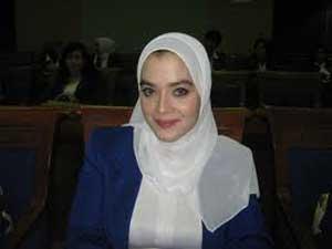Rina Fahmi Idris
