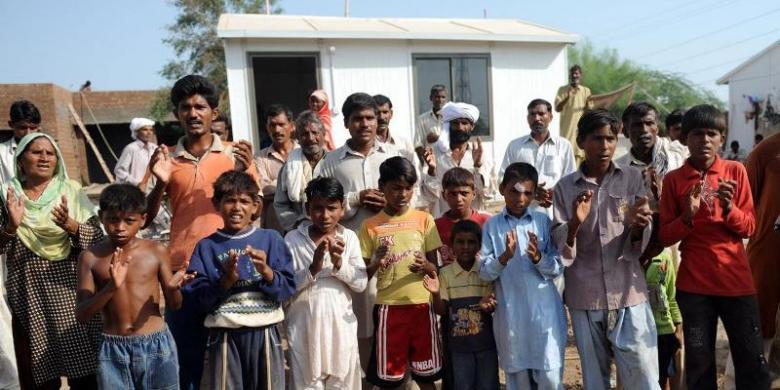 2052042Umat-Kristen-Pakistan780x390
