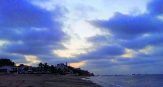 ballenita ecuador coast