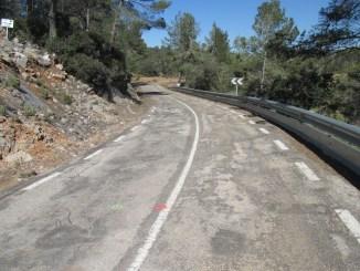 Una imagen de la carretera CV-391 entre Requena y Villar de Olmos.