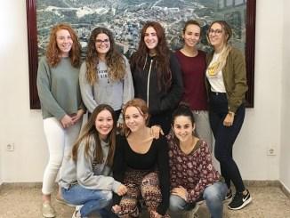 Las jóvenes integrantes de la Comisión de Fiestas de Millares 2018.
