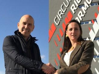 Gonzalo Gobert con Iris Córdoba en el Circuito de Cheste.