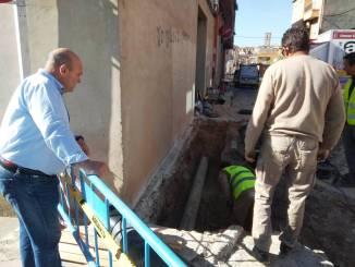 Turís conecta la canalización del Ràfol con la red general de abastecimiento al pueblo.