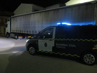 Agentes del Subsector de Tráfico de la Guardia Civil de Valencia han detenido a un varón de 30 años al poco tiempo de sustraer un camión articulado en el término municipal de RIba-roja.
