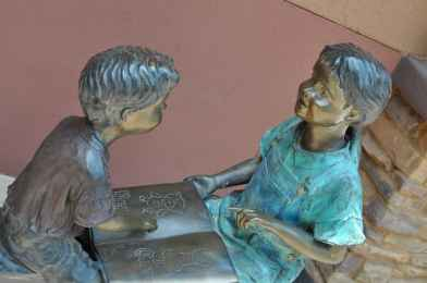bronze sculptures of children at Rancho Sahuarita