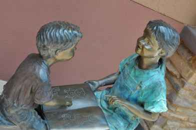 bronze sculptures of children at Rancho Sahuarita