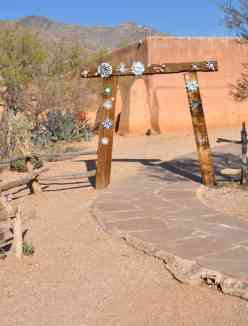 Enter DeGrazia Gallery in the Sun