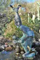sculpture-at-DeGrazia-Gallery-in-the-Sun