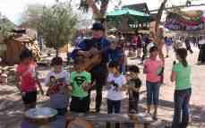 minstril with kids
