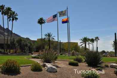 entrance of Hilton Tucson El Conquistador