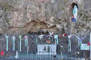 Pease respect this sacred place_ at Mission San Xavier del Bac