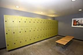 locker room the bloc