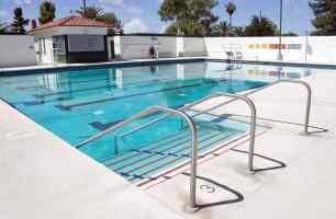 swimming pool steps Himmel Park Tucson