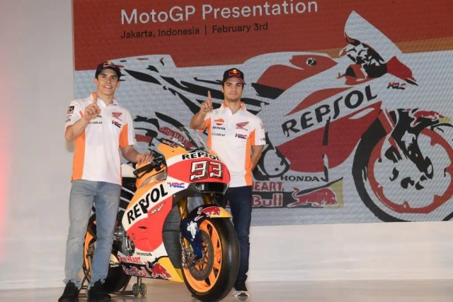 Marc Márquez e Dani Pedrosa na apresentação da equipe - Foto: Honda