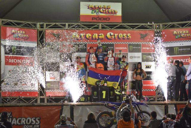 Primeiros colocados da categoria PRO - Divulgação/Victor Silva/Arena Cross