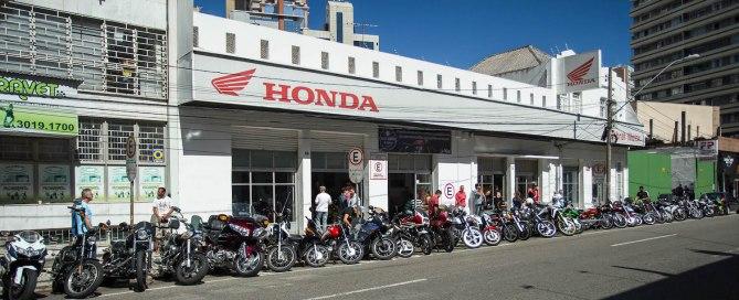Reconhecida em 2007 pela Fenabrave como a concessionária mais antiga da Rede Honda no Brasil