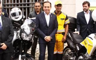 Yamaha doa dez motocicletas à prefeitura de São Paulo