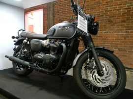 Triumph T100 Black