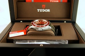 tudor-black-bay-03