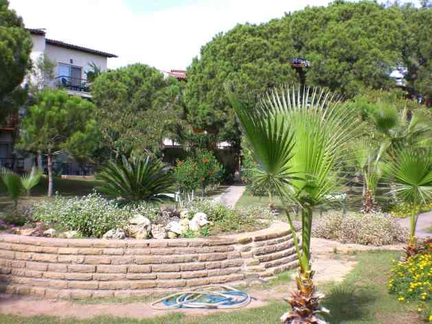 Gartenanlage Hotel Papillon Belvil