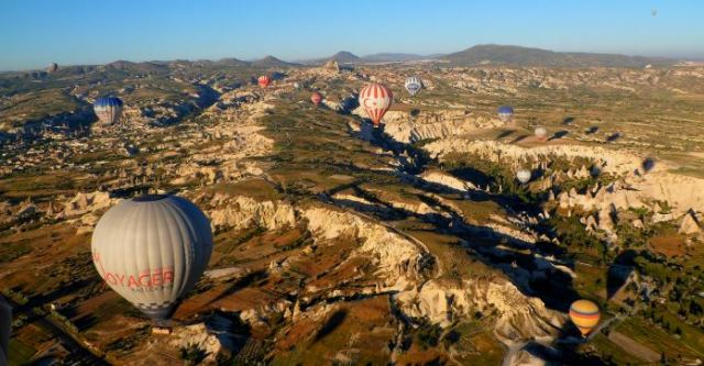 Heißluftballon aus dem Korb eines anderen Ballons aufgenommen.