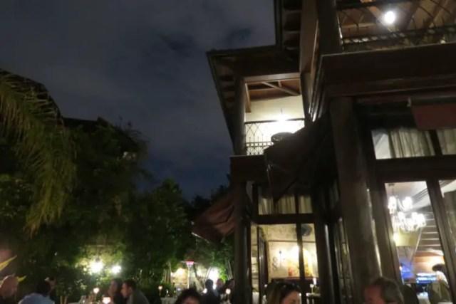 Das Seraser Fine Dining Restaurant in Antalya am Abend.