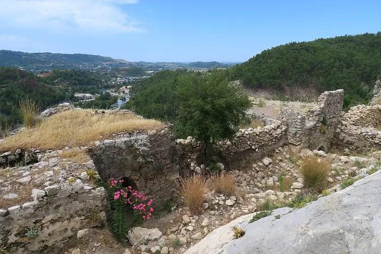 Die Ruinen der Alara Burg auf dem ersten Level