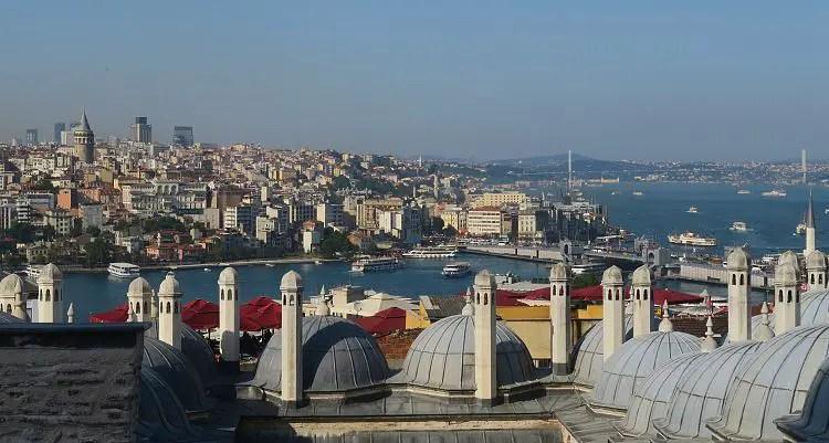 Aussicht auf das Goldene Horn, Beyoglu und den Bosporus